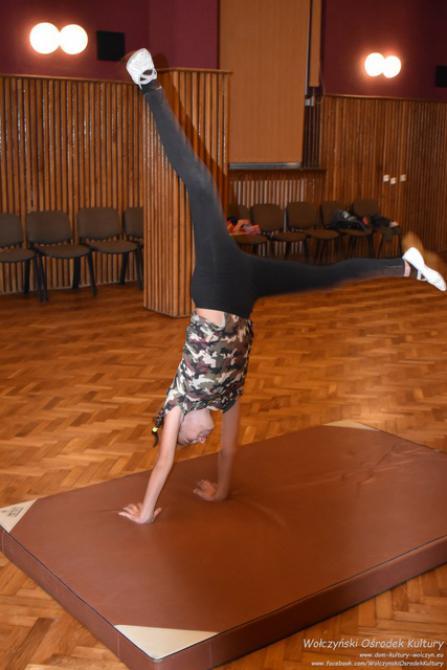 Galeria akrobatyczne warsztaty mażoretkowe - Wołczyn