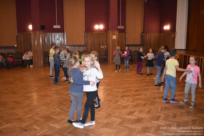 Galeria tanecznie dla Niepodległej Wołczyn